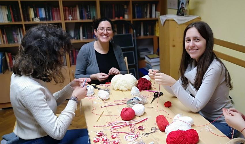 Работилница: плетене на мартеници