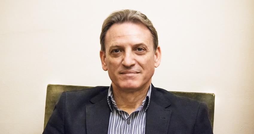 Международен президент Карлос Аделантадо